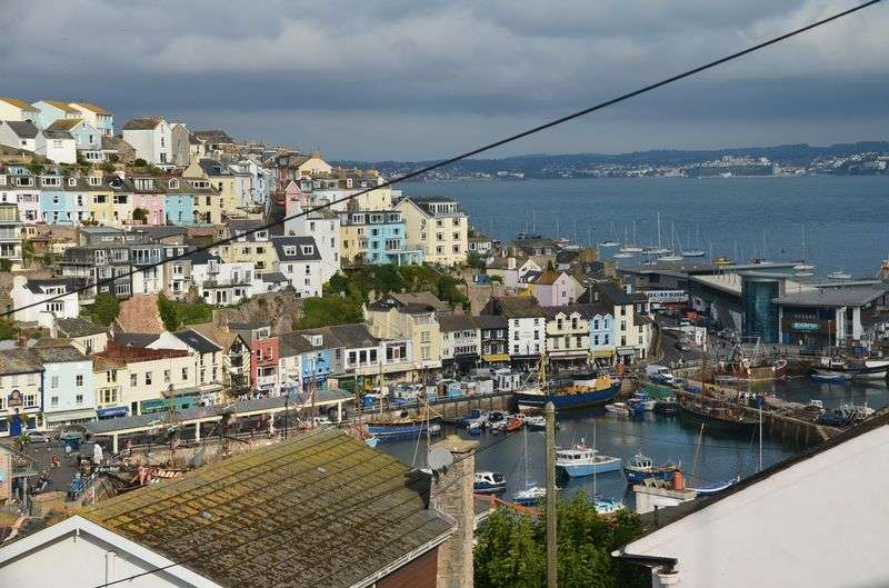 3 Bedrooms Terraced House for sale in ST. PETERS TERRACE ELKINS HILL BRIXHAM