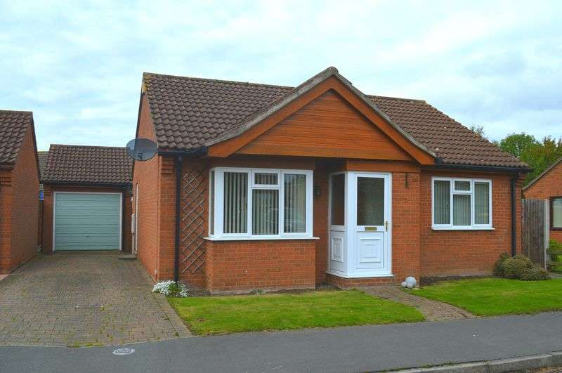 2 Bedrooms Detached Bungalow for sale in Cheriton Close, Bardney