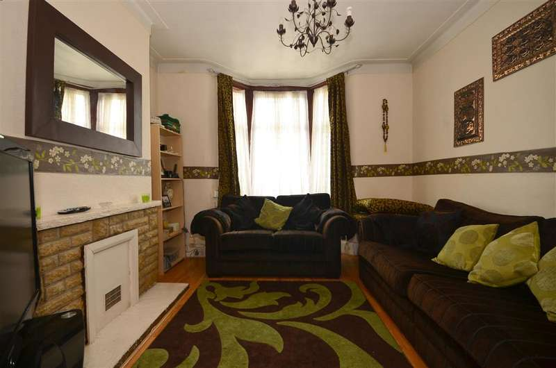 3 Bedrooms Terraced House for sale in Kingsland Road, Plaistow, London
