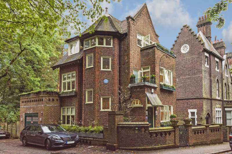 5 Bedrooms Detached House for sale in Branch Hill, Hampstead Village