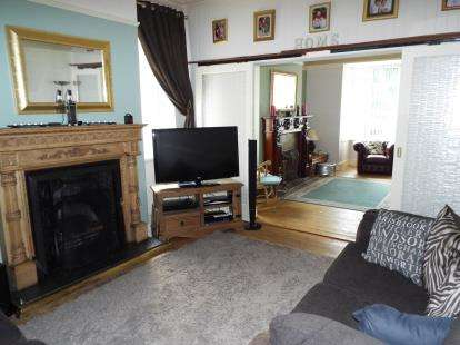 4 Bedrooms Semi Detached House for sale in Colclough Lane, Stoke-On-Trent, Staffordshire