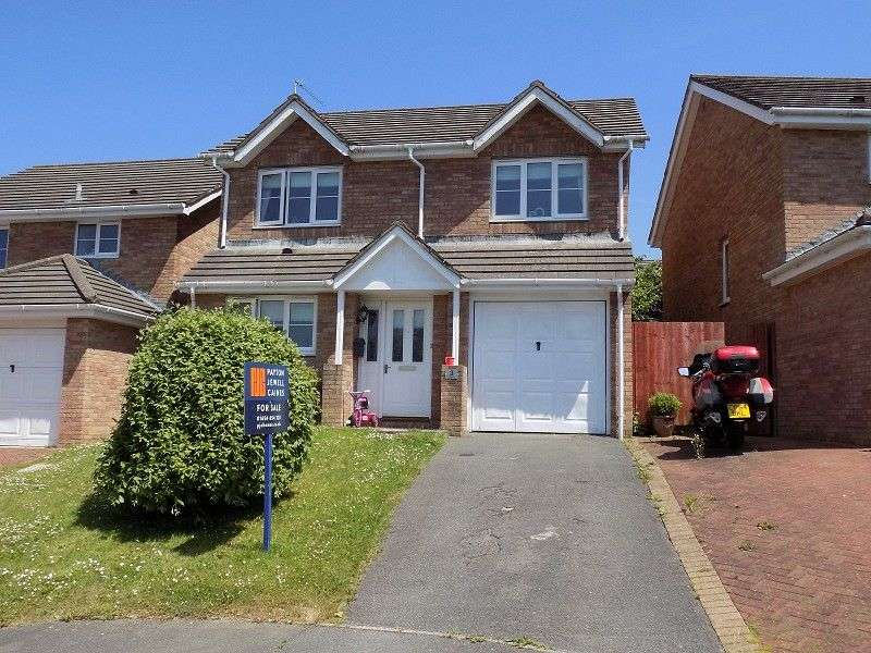 4 Bedrooms Detached House for sale in Maes-Yr-Eirlys , Broadlands, Bridgend. CF31 5DG