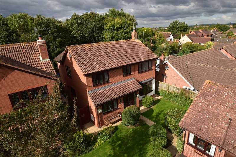 5 Bedrooms Property for sale in Clifford Road, The Ridings, Droitwich Spa