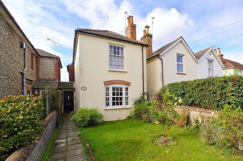 3 Bedrooms Detached House for sale in Bognor Road, Chichester PO19