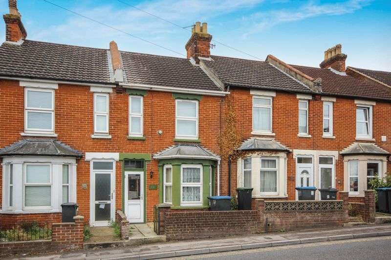 3 Bedrooms Terraced House for sale in DEVIZES ROAD, SALISBURY, SP2