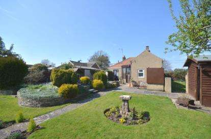 3 Bedrooms Bungalow for sale in North Runcton, King's Lynn, Norfolk