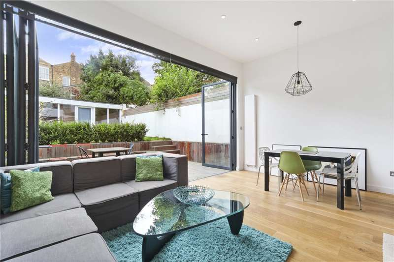 2 Bedrooms Ground Flat for sale in Malden Road, London, NW5