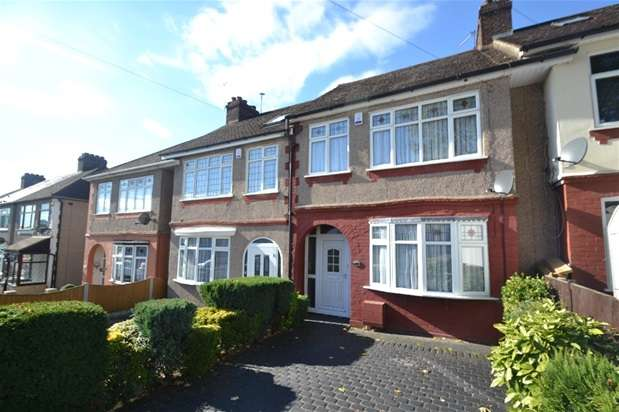 3 Bedrooms Terraced House for sale in Ascension Road, Romford