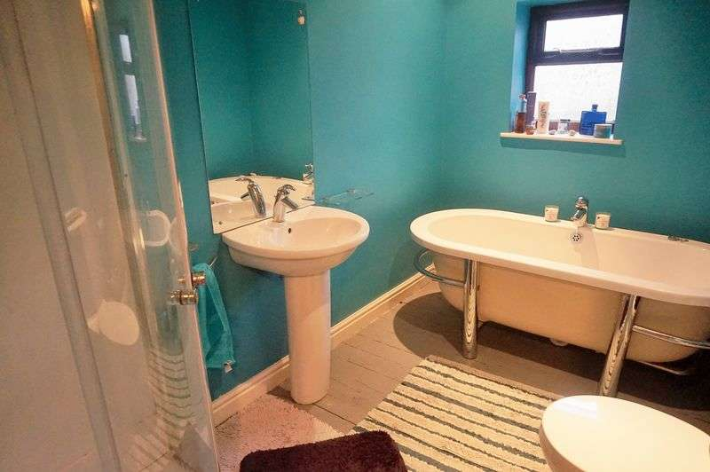 3 Bedrooms Terraced House for sale in Highfield, Crawshawbooth, BB4 8NN