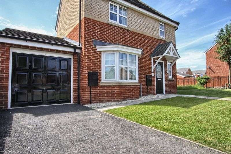 3 Bedrooms Semi Detached House for sale in Lindisfarne Avenue, Stockton-On-Tees
