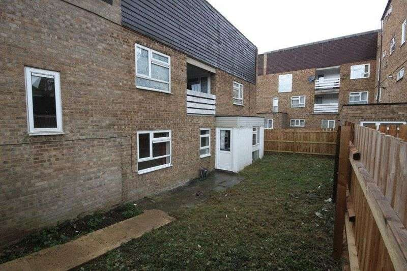 3 Bedrooms Flat for sale in Butterworth Path, Luton