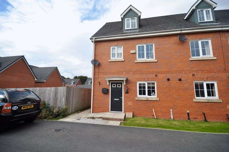 4 Bedrooms Mews House for sale in East Church Way, Heywood
