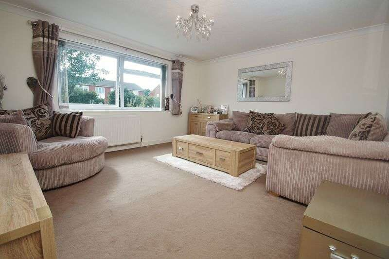 2 Bedrooms Flat for sale in Park Road, Southport