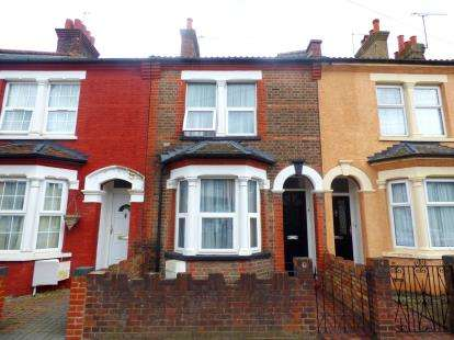 2 Bedrooms Terraced House for sale in Durban Road East, Watford, Hertfordshire