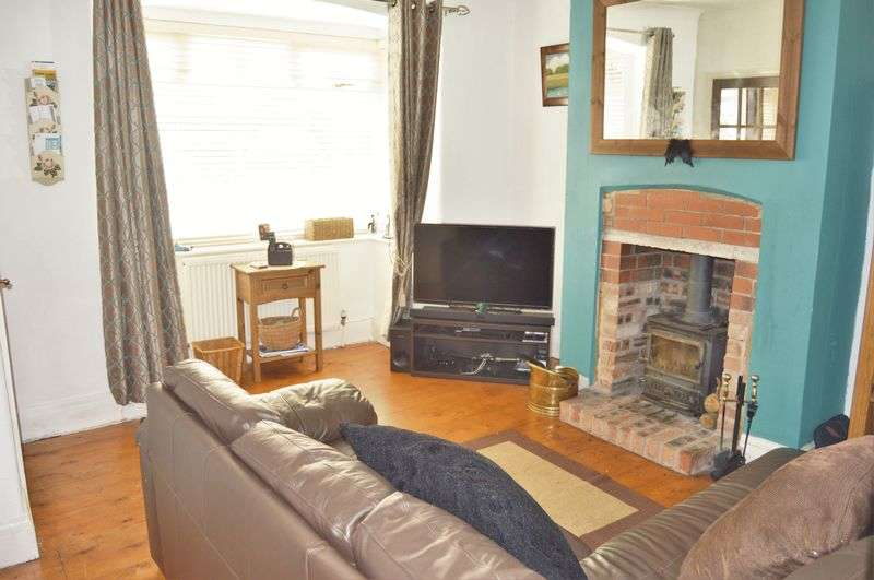 3 Bedrooms Semi Detached House for sale in Manchester Road, Rochdale