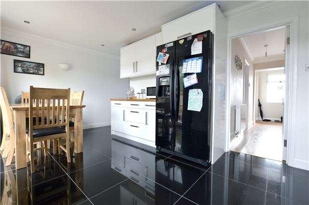 3 Bedrooms Terraced House for sale in Edgar Road, Kemsing, SEVENOAKS, Kent, TN15 6RT