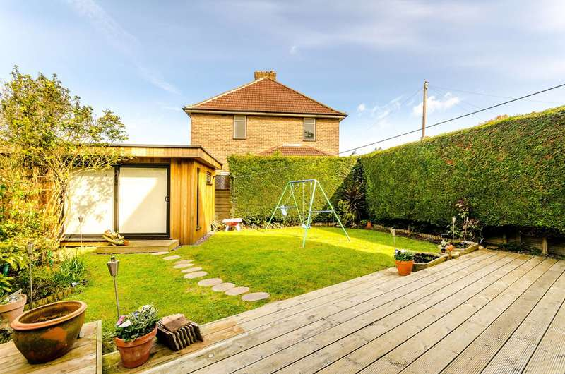 2 Bedrooms End Of Terrace House for sale in Southover, Bromley, BR1