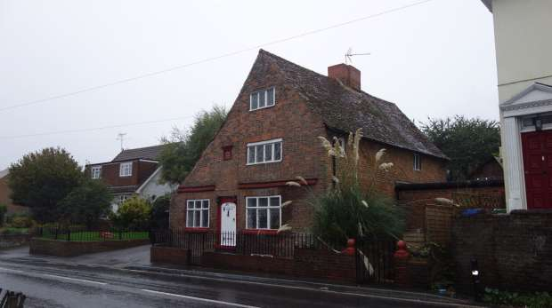 4 Bedrooms Detached House for sale in High Street, Sittingbourne, Kent, ME9 7JH