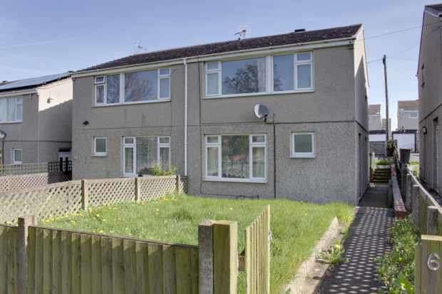 3 Bedrooms Semi Detached House for sale in Springfield Way, Nottingham, Nottinghamshire, NG17 7PJ