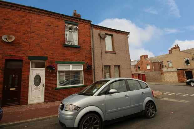 3 Bedrooms Terraced House for sale in Osborne Street, Barrow-In-Furness, Cumbria, LA14 5SA