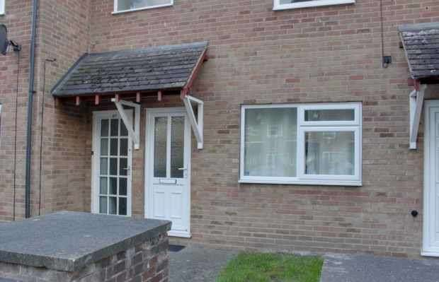 1 Bedroom Ground Maisonette Flat for sale in Woodstock Ave, Nottingham, Nottinghamshire, NG7 5QP