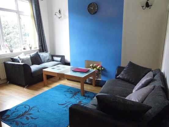 2 Bedrooms Terraced House for sale in Stafford View, Wrexham, Clwyd, LL14 1RF