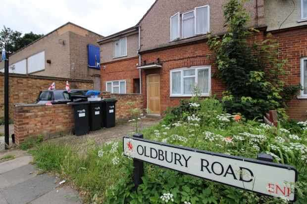 2 Bedrooms Apartment Flat for sale in Oldbury Road, Enfield, Greater London, EN1 3QN