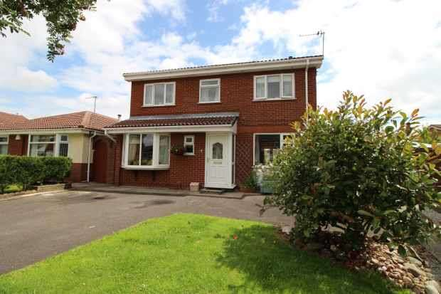 5 Bedrooms Detached House for sale in Lockerbie Close, Warrington, Cheshire, WA2 0LT