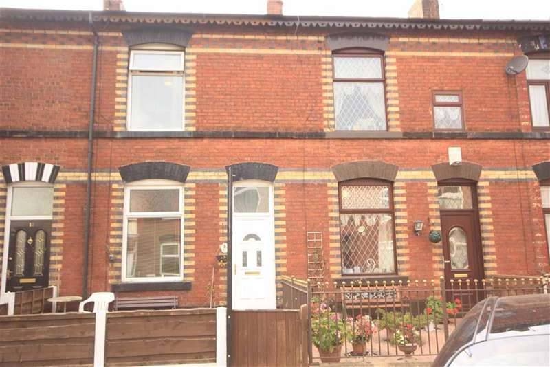 3 Bedrooms Property for sale in St Annes Street, Bury