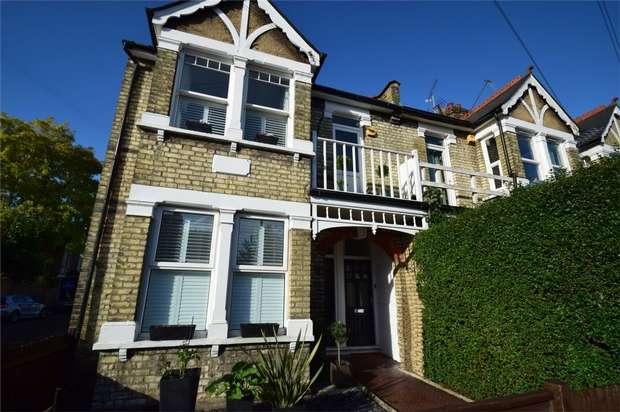 3 Bedrooms Maisonette Flat for sale in Winchester Road, St Margarets, Twickenham