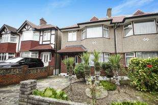 3 Bedrooms Semi Detached House for sale in Rayford Avenue, Lee Green, Lewisham, London