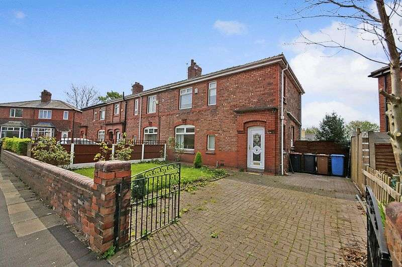 3 Bedrooms Semi Detached House for rent in Peelwood Avenue Little Hulton M38 9NT