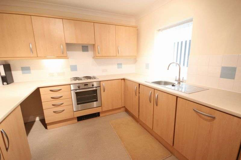 2 Bedrooms Flat for sale in Shirehampton Road, Bristol