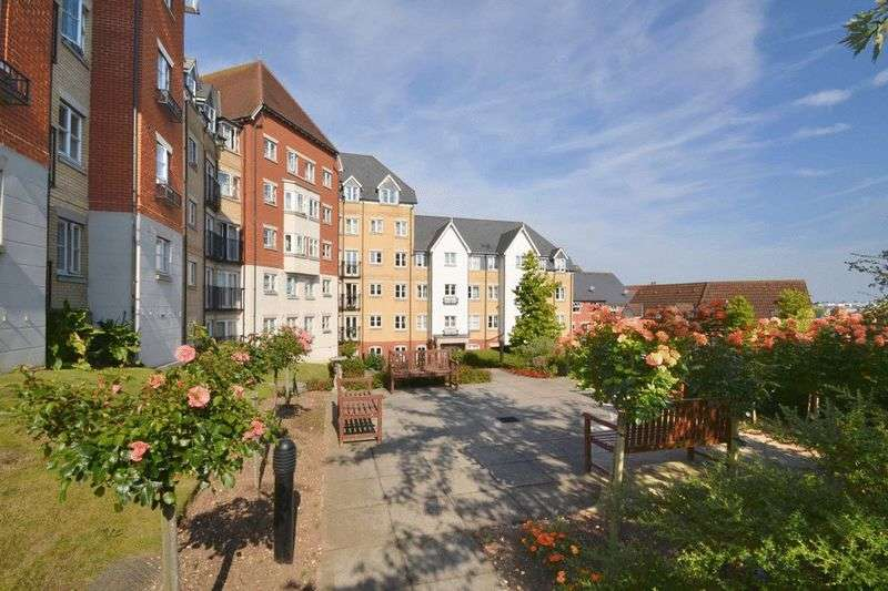 1 Bedroom Retirement Property for sale in Salter Court, Colchester, CO3 3FF