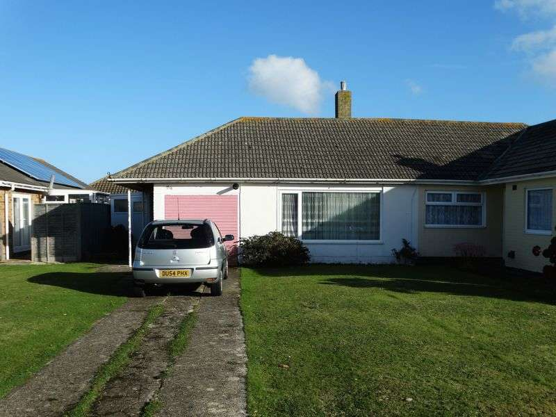 3 Bedrooms Semi Detached Bungalow for sale in Gainsborough Drive, Selsey