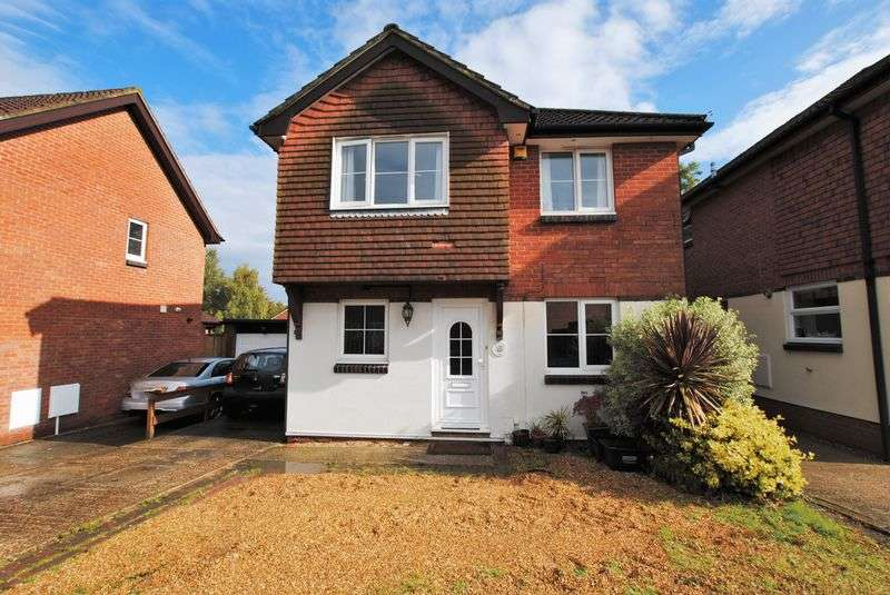 4 Bedrooms Detached House for sale in Gatcombe Gardens, West End