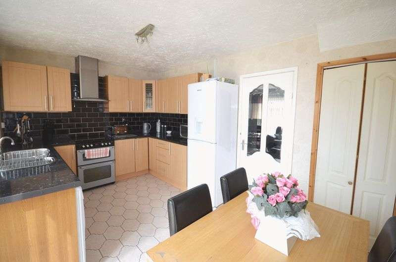 3 Bedrooms Detached House for sale in Guernsey Road, Widnes