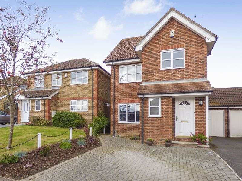 3 Bedrooms Detached House for sale in Rosewood Drive, Ashford