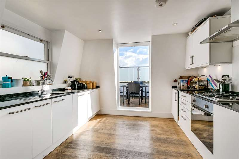 4 Bedrooms Flat for sale in Battersea Rise, London, SW11