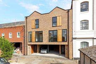 3 Bedrooms Semi Detached House for sale in Warehouse Mews, Draper Street, Tunbridge Wells, Kent