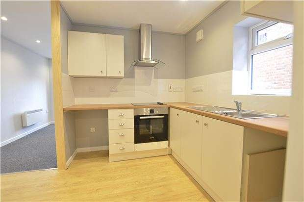 1 Bedroom Cottage House for sale in High Street, Kings Stanley, Stonehouse, Gloucestershire, GL10 3JF