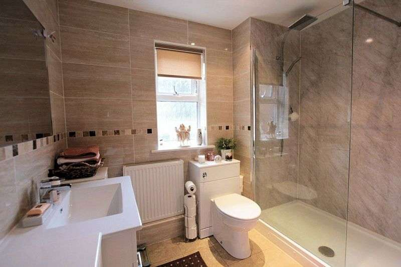 2 Bedrooms Flat for sale in Boughton Avenue, Rhyl