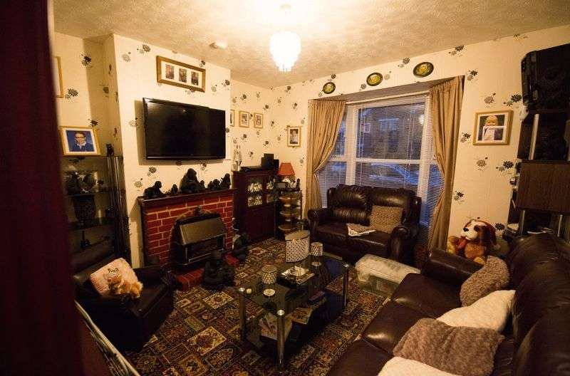 3 Bedrooms Terraced House for sale in Richmond Road, Southampton