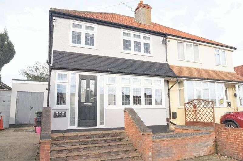 3 Bedrooms Semi Detached House for sale in Blackfen Road, Sidcup, DA15 9NJ