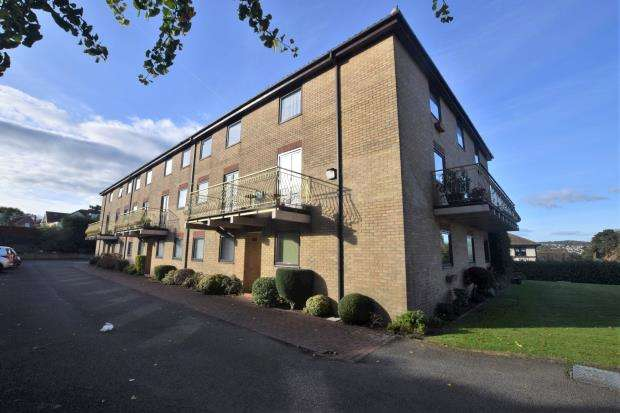 2 Bedrooms Flat for sale in The Anchorage, Belle Vue Road, Paignton, Devon