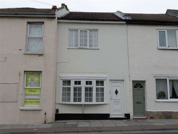 3 Bedrooms Terraced House for sale in Cromwell Road, Southsea
