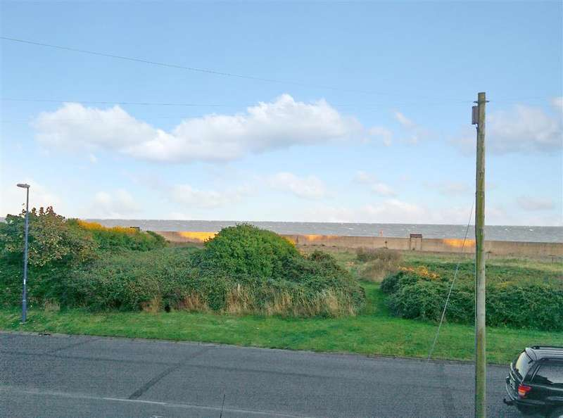 3 Bedrooms Semi Detached House for sale in Kingsway, Selsey, Chichester, West Sussex