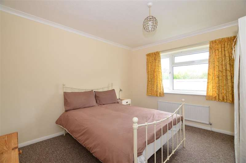 2 Bedrooms Ground Flat for sale in Cypress Close, Whitstable, Kent