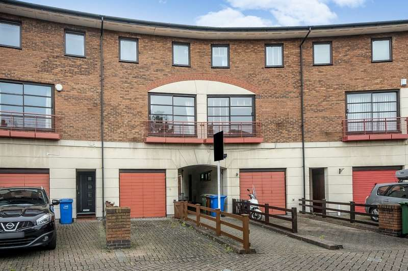 3 Bedrooms Terraced House for sale in Plover Way, Surrey Quays