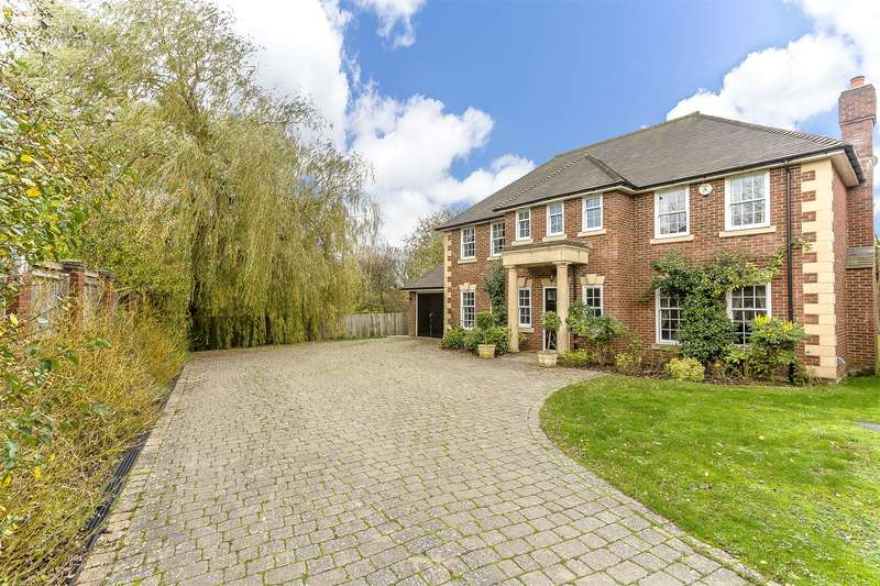 5 Bedrooms Detached House for sale in Carlton Road, Redhill, RH1